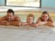 Familie in der Therme